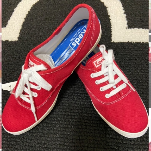 Women Keds Size 8.5 in Red Color